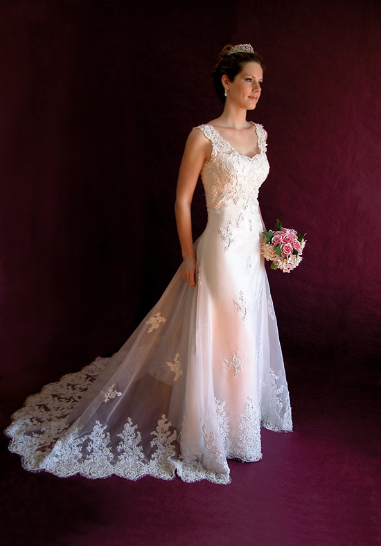 How to Buy a Wedding Gown