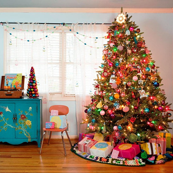 How To Decorate Christmas Tree With Multicolor Lights