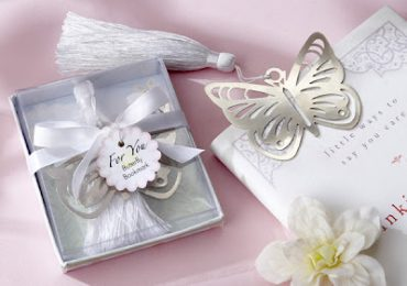 Top 10 Wedding Gifts For Guests