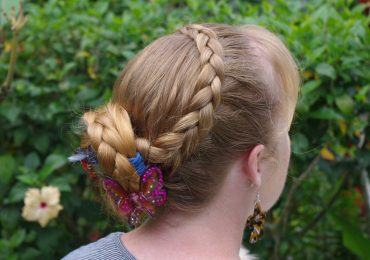 Christmas Eve Hairstyles for Women