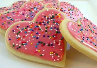 How to Decorate Sugar Cookies with Sprinkles