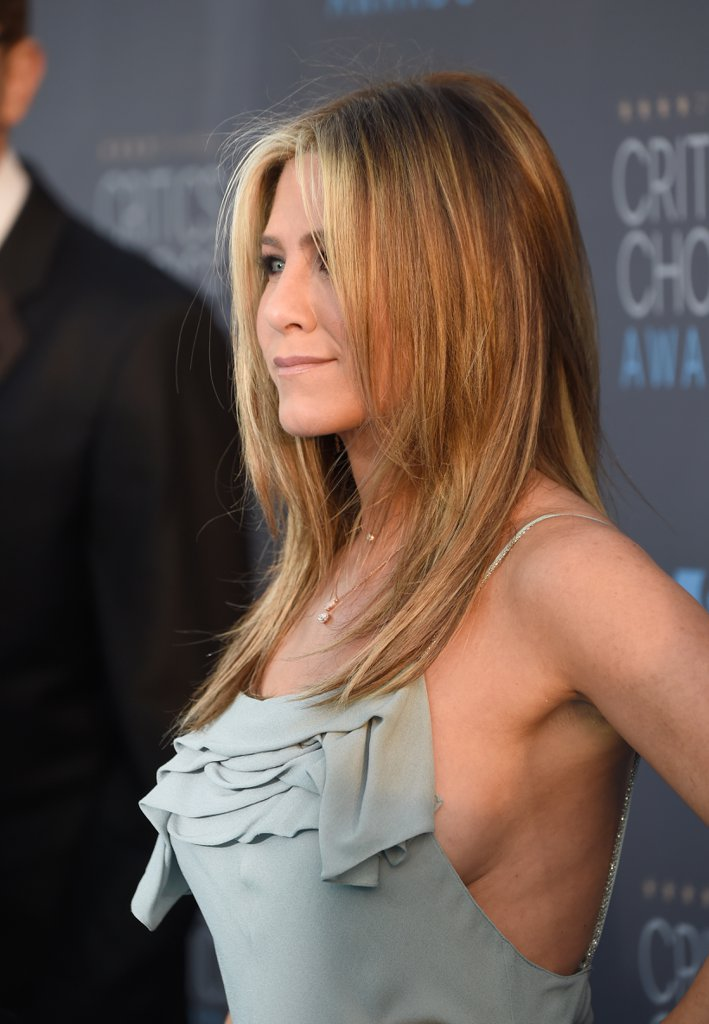 Jennifer Aniston Reveals A New Bob Haircut For 2018