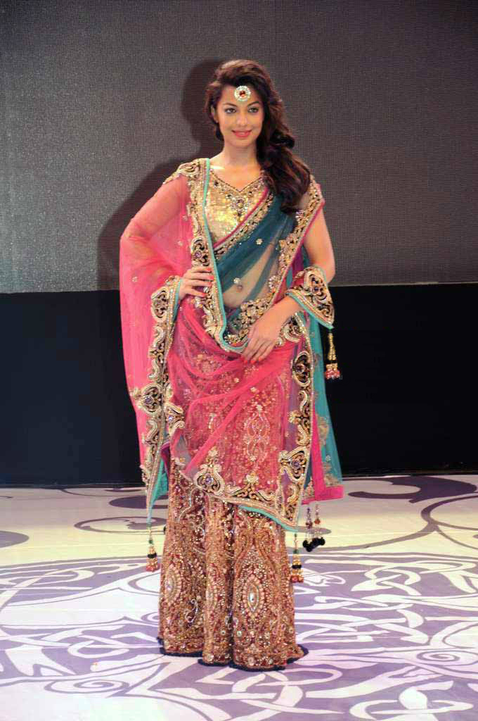 Best Hairstyles With And Saree Styloss Com