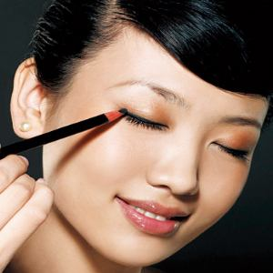 eye makeup application pictures