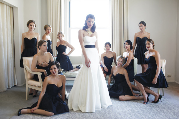 For Brides And Bridesmaid Best Poses To Take Pictures At Wedding