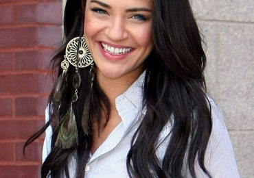 Jessica Szohr Hair Color, Style, Height Weight