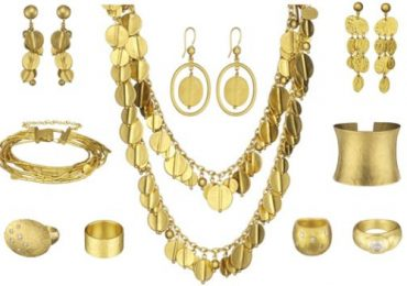 Dresses, Gown Designs Match to Wear With Jewelry Types