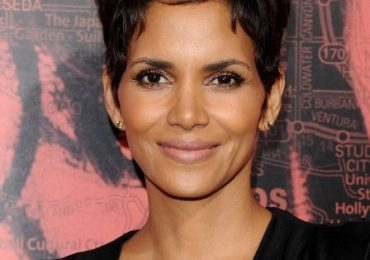 Halle Berry Pixie Short Hairstyles Height Weight Measurements 2021 Photos