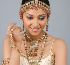 For Brides Face Shape Bridal Jewelry suit to Wear