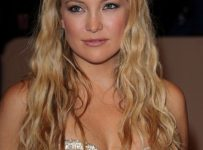 Curly, Bob, Braided, Wavy hairstyle of Kate Hudson