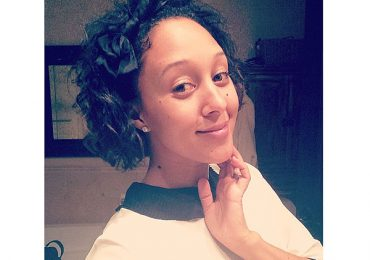 Tamera Mowry Housley Haircut, Style, Color Weight Height