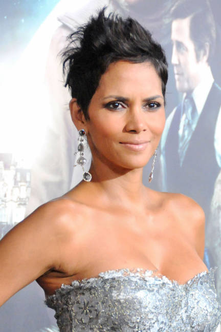 Pictures Halle Berry Haircut 2018 Pixie