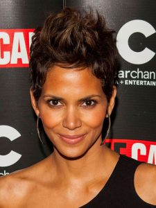 Pictures 2018 Halle Berry Pixie Hair Style Haircut