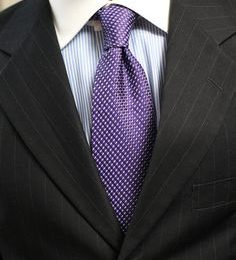 How to Tie a Half Windsor Knot with a Dimple