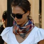 Ways to Wear Scarf around Neck in spring