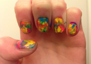 Tie Dye Nails in Summer Instructions to Make at Home