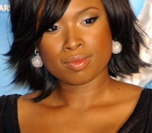 Short Haircuts for Round Faces Plus Size Women