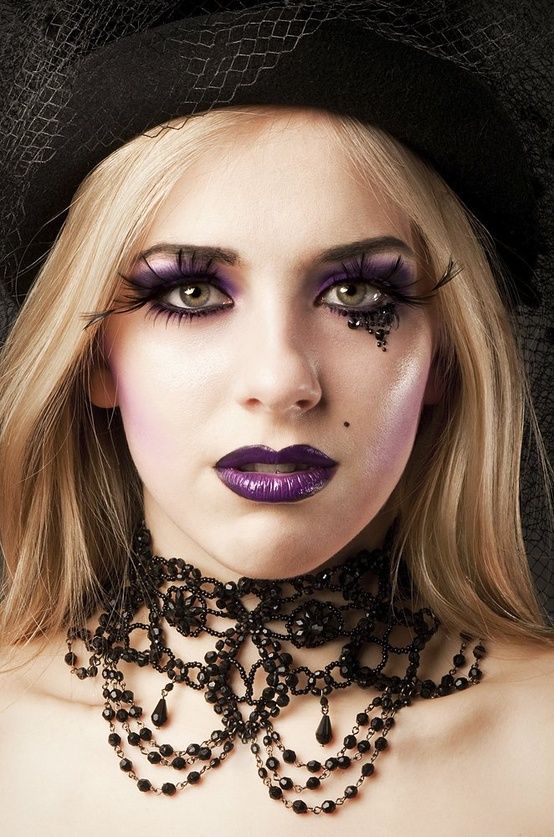 How To Put On Eyeliner Emo Style Stylosscom