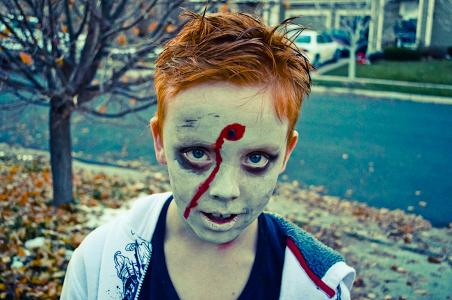 how to apply zombie makeup for halloween. Black Bedroom Furniture Sets. Home Design Ideas