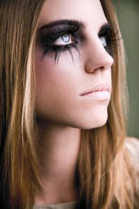 how to apply halloween witch makeup