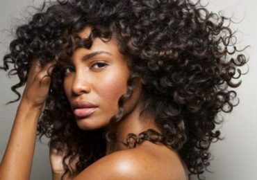 How to Lighten African American Hair without Bleach Naturally