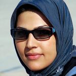 how to wear sunglasses with a headscarf