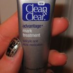 Clean& Clear advantage mark treatment