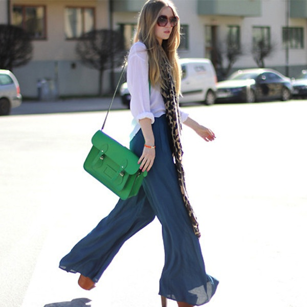 What Kind of Top to Wear Looks Best With Palazzo Pants