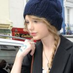 how to wear a knit hat with curly hair