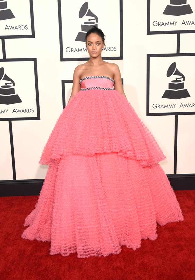 rihanna grammy awards 2015 dress