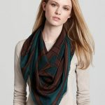 tie silk scarf around neck