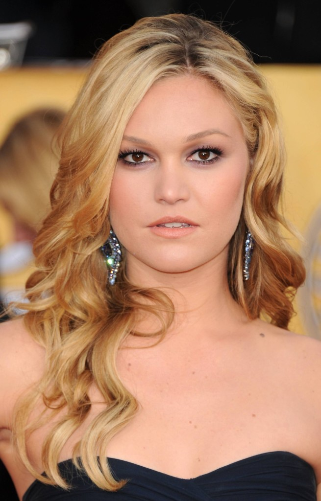 strapless dress hairstyles curly with middle parted