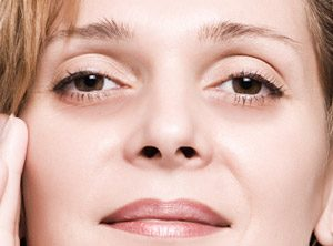 How to Get Rid of Puffy Upper Lower Eyelids from Crying Allergies or in the Morning