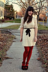 What Color Pantyhose to Wear with Dress of White Silver Black Red in Summer?