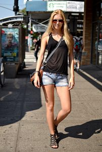 What Should a Girl Wear To a Rock Concert in the Summer