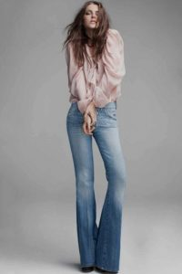 How to Wear Flare Jeans 2021?
