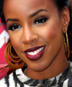 How to Choose Red Lipstick for Dark Skin