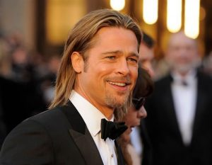 How to Style Men's Hair While Growing it Long