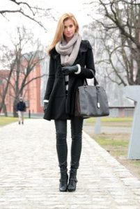 How to Layer Clothes for Cold Weather in Winter