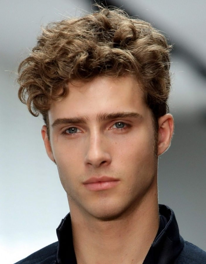 Hipster Haircuts for Guys 2018 with Curly Hair